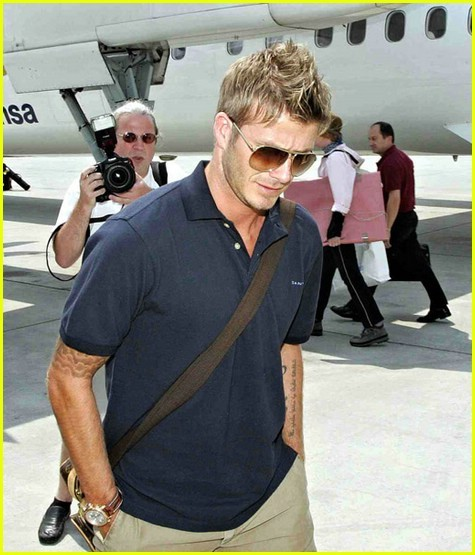 http://rescindedred.files.wordpress.com/2008/12/david-beckham-airport09.jpg